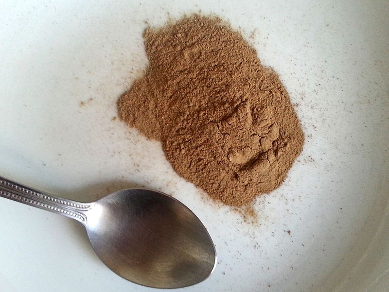 Photo: Root bark powder. Via: Kgjerstad | Wikipedia — licensed by Creative Commons