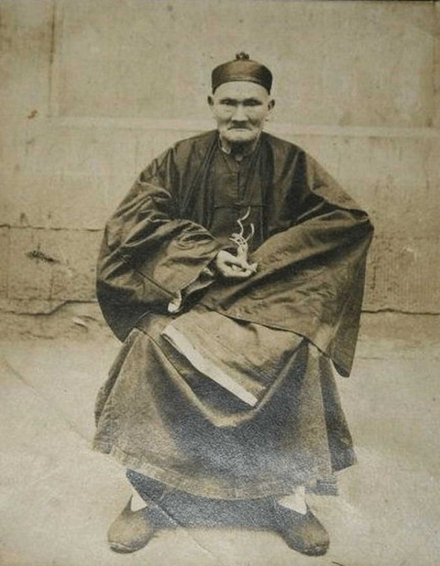 Photo: Chinese herbalist and martial arts master Li Ching-Yuen is said to have lived to between 197 and 256 years of age with the help of gotu kola.