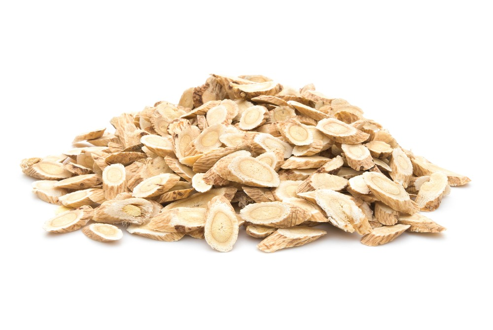 Photo: Slices of dried astragalus root. Via: Freer | Shutterstock.
