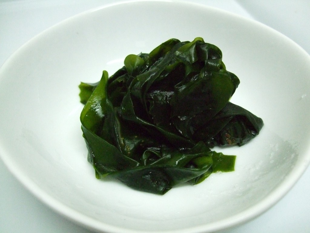Seaweed such as wakame (pictured) is a natural source of iodine. Via: えむかと | Public domain.